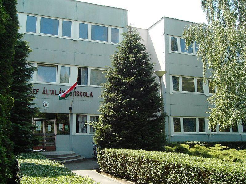 Babay új iskola